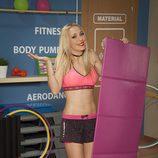Sara Gómez posa con material deportivo en 'Gym Tony LC'