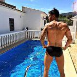 Iván González, concursante de 'Supervivientes 2017', en la piscina