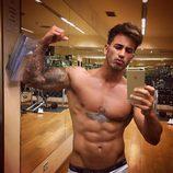 Iván González, concursante de 'Supervivientes 2017', presume de bíceps en el gimnasio