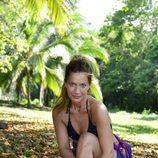 Raquel posa sentada para 'Supervivientes 2017'