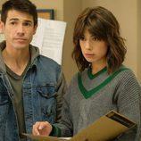 Rober y Alicia examinan un caso en 'Servir y proteger'