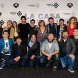 Actores y parte del equipo técnico en la rueda de prensa de 'La Casa de Papel'