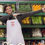 Jorge, aspirante a 'MasterChef 5', posa mientras elabora su plato