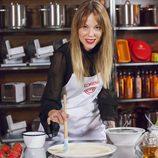 Lorena, aspirante a 'MasterChef 5', posa mientras elabora su plato