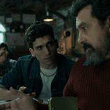 Jaime Lorente y Paco Tous en el 1x01 de 'La Casa de Papel'