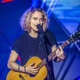 Manel Navarro canta en el programa 'Manel and friends'