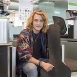 Manel Navarro, en el aeropuerto, antes de viajar hacia Kiev para actuar en Eurovisión 2017