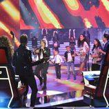 Carlos Baute con los concursantes en la final de 'La Voz Kids'