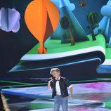 Pedro cantando en la final de 'La Voz Kids'