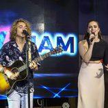 Manel Navarro y Lucie Jones, juntos en el Euroclub de Kiev