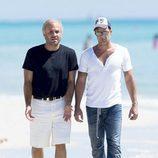 Escena de Ricky Martin y Édgar Ramírez en 'The Assassination of Gianni Versace: American Crime Story'