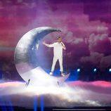 Nathan Trent (Austria) en la Final de Eurovisión 2017