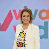Toñi Moreno posa en el plató de 'Viva la vida'