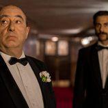 Alfred Hitchcock (José Ángel Egido) y Pacino (Hugo Silva) en el 'El Ministerio del Tiempo'
