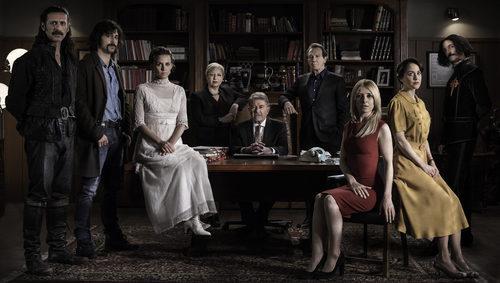 Elenco al completo de 'El Ministerio del Tiempo' en su tercera temporada