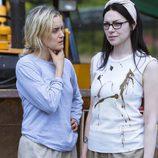 Taylor Schilling y Laura Prepon seguirán actuando para 'Orange is the New Black' en su quinta temporada