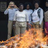 Taylor Schilling, Danielle Brooks, Vicky Jeudy, Adrienne C. Moore y Amanda Stephen en lo nuevo de 'Orange is the New Black'