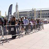 Los aspirantes a entrar 'Operación Triunfo' se agolpan en el casting de Barcelona