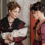 La Duquesa de Osuna y Amelia Folch en 'El Ministerio del Tiempo'