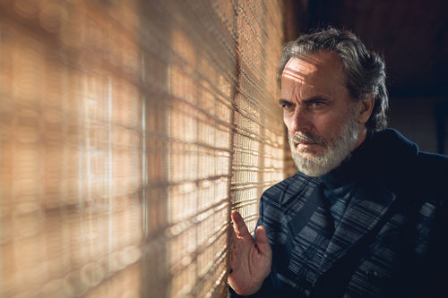 José Coronado protagoniza 'Vivir sin permiso'