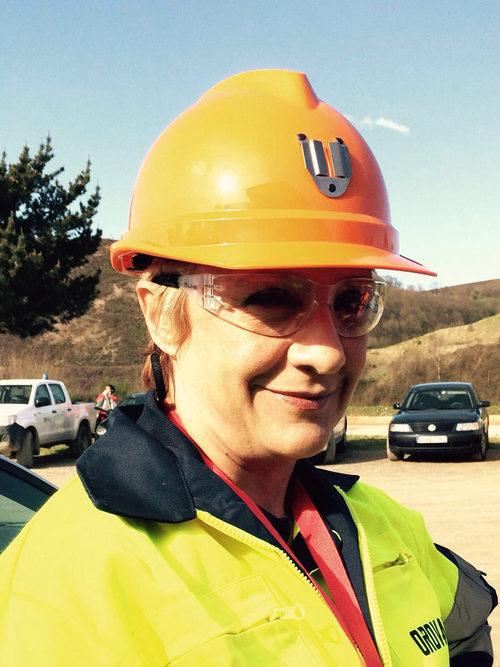 Blanca Portillo, presentadora de 'Ellas', luce un casco