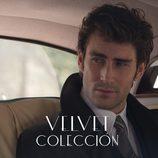Fernando Guallar dentro de un coche en 'Velvet Colección'