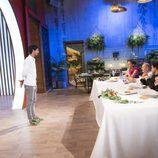Jorge presenta su plato ante el jurado de 'MasterChef 5'