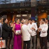 Robuchon le entrega el premio a Jorge en 'MasterChef 5'