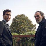 Nemo Bandeira (José Coronado) y su ahijado (Álex González) en 'Vivir sin permiso'
