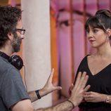 Eva Ugarte (Sandra) y Carlos Therón durante el rodaje de 'Mira lo que has hecho'