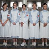 Las cinco protagonistas de 'Tiempos de guerra', caracterizadas para su papel como enfermeras