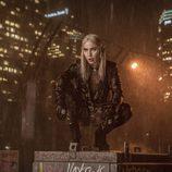 Noomi Rapace en el papel de elfo en 'Bright'