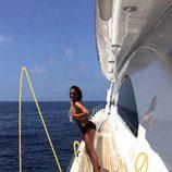 Aída Nizar disfruta de sus vacaciones en topless