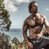 Sam Heughan posa sexy y semidesnudo para Men's Health South África
