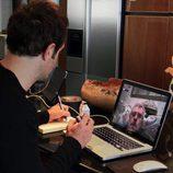 Bryan Fogel habla con Rodchenko en 'Ícaro'