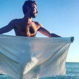 David Valldeperas, director de 'Sálvame', se desnuda en la playa