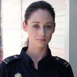 Elena Rivera con el uniforme de policía en 'Servir y proteger'