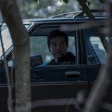 Marty Byrde en un coche en 'Ozark'