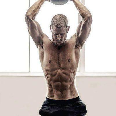 Las fotos más sexys de Tom Hopper (Dickon Tarly en 'Juego de tronos'), desnudo en Men's Health