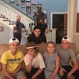 La familia Beckham, de visita en la casa de los Dunphy de 'Modern Family'