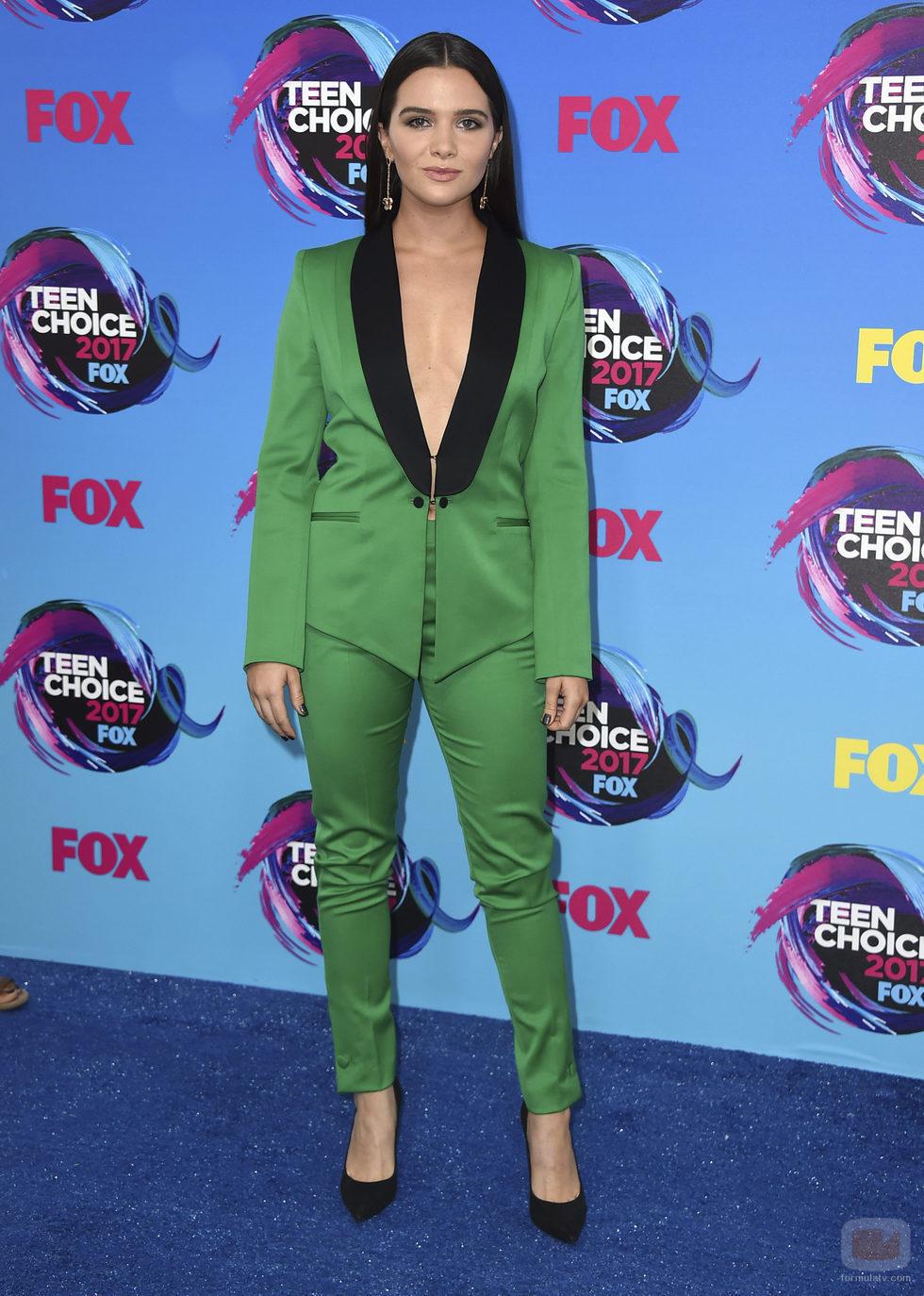 Katie Stevens en los Teen Choice Awards 2017