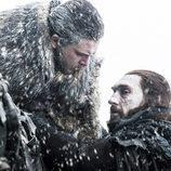 Benjen Stark y Jon Nieve durante el 7x06 de 'Juego de Tronos'
