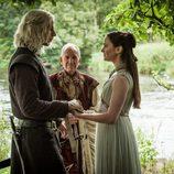 Rhaegar Targaryen y Lyanna Stark en su boda en el 7x07 de 'Juego de Tronos'