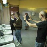 Lucía Díez y Nerea Elizalde, juntas en el baño en 'Si fueras tú'