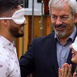 Carlos Sobera modera una cita a ciegas en la tercera temporada de 'First Dates'