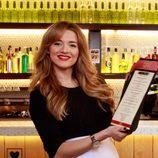 Yulia, la camarera de 'First Dates', tiene un secreto en esta tercera temporada