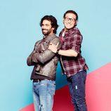 Carlos Santos y Rubén Cortada en las fotos promocionales de 'Ella es tu padre'