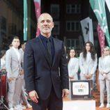 Pose de Javier Gutiérrez en la inauguración de 'Estoy vivo' en el FesTVal