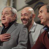 El actor Zorion Eguileor, de 'Estoy vivo', posa junto a sus fans en la inauguración del FesTVal