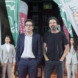 Pau Donés y Daniel Écija posan juntos en el estreno de 'Estoy vivo' durante el FesTVal